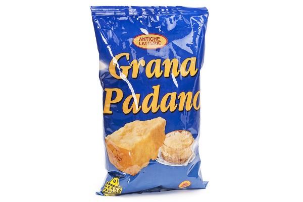 Reszelt parmezán sajt Grana Padano olasz